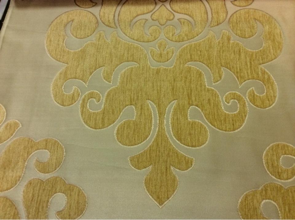 """Атласная ткань с набивкой из шенилла на заказ в интернет-магазине, На золотистом фоне """"дамаски"""" оттенка шафран, Высота 3,0, Арт: Morocco, col 17, Италия."""