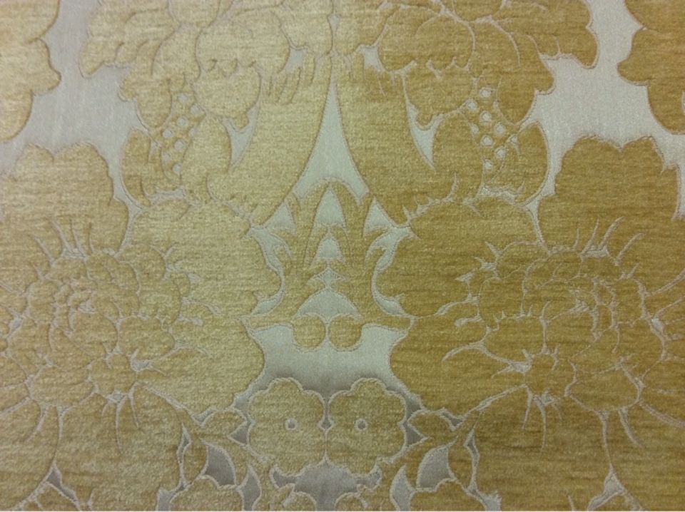 Заказать атласную ткань с набивкой из шенилла, На золотистом фоне цветы оттенка шафран, Ширина 3,0, Арт: Morocco, col 18, Итальянский каталог ткани для пошива штор на заказ.