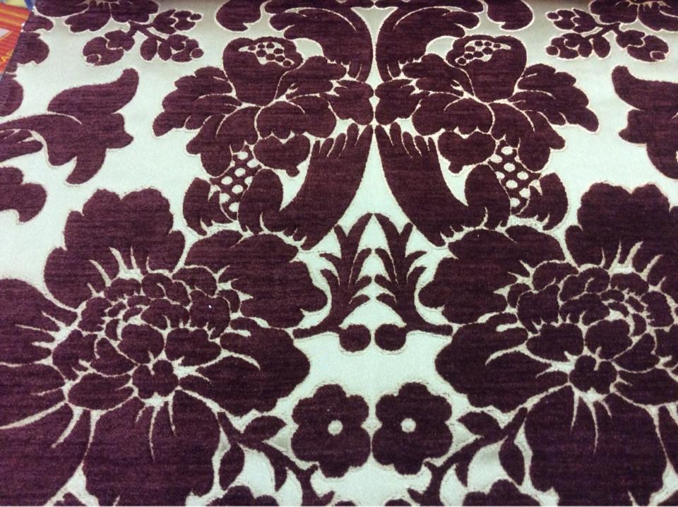 Атласная ткань с набивкой из шенилла на заказ в интернет-магазине, На золотистом фоне цветы оттенка марсала, Ширина 3,0, Арт: Morocco, col 22, Итальянский каталог ткани для штор на заказ.