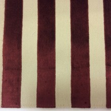 Заказать натуральную ткань с бархатной набивкой, На светлом фоне вертикальные полоски бордового оттенка, Ширина 1,40, Bosco, col 14, Итальянский каталог ткани для пошива штор на заказ.
