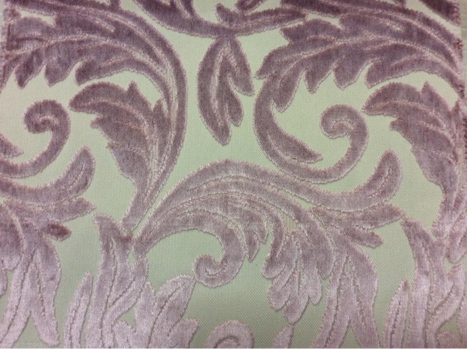 Купить натуральную ткань с бархатной набивкой и растительным орнаментом, На светлом фоне ветви и листья оттенка аметист, Ширина 1,40, Bosco, col 03, Итальянский каталог ткани для штор на заказ.