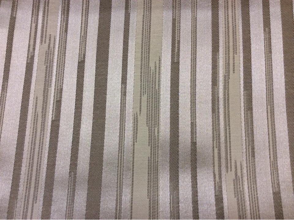 Жаккардовая ткань с добавлением хлопка, Вертикальные хаотичные полосы серебристого, серого, кремового оттенков, Glamour, col 15, Италия.