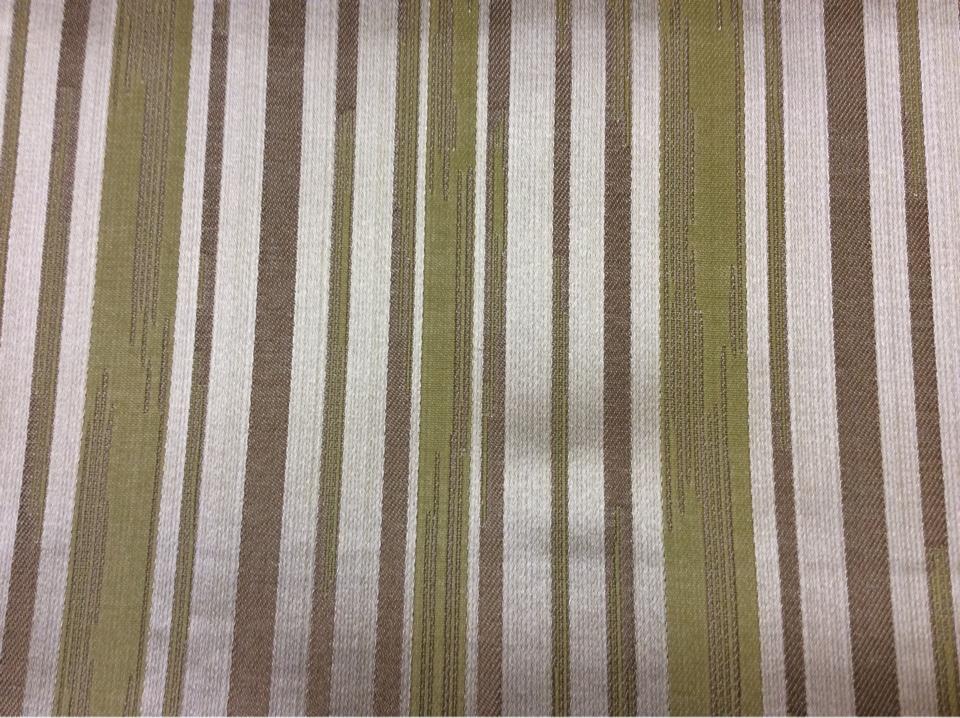 Жаккардовая ткань с добавлением хлопка, Вертикальные хаотичные полосы оливкового, серебристого, песочного оттенков, Ширина 1,40, Glamour, col 25, Италия.