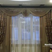 Классические шторы с ламбрекеном в гостиную
