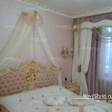 Шторы в спальню и покрывало на кровать в стиле барокко