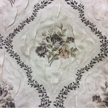 Атлас, жаккардовая портьерная ткань для штор Rubens 102. Турция, На светлом фоне цветы ( жатая фактура ткани)