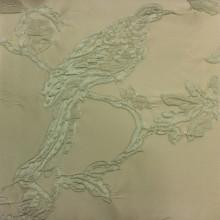 Портьерная ткань в стиле барокко Botticelli 26. Европа, Италия, портьерная. На кремовом фоне салатовая птица