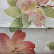 Хлопок, атлас портьерная ткань для штор Zambak 4. Турция, стиль прованс. На светлом фоне розово-красные лилии