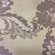 Красивая портьерная ткань для штор с вышивкой Varese, цвет Amethyst. Бельгия, Европа, средней плотности. На бежевом фоне аметистовые цветы, пейсли