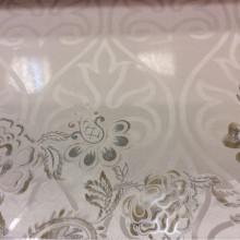 Прозрачный тюль в интернет-магазине Ornella 16. Италия, Европа, тюль для штор. На светлом фоне серебристо-бежевый цветочный принт с люрексом