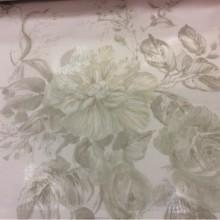 Жатая ткань с бамбуковой нитью Ornella 34. Италия, Европа, тюлевая. На светлом фоне цветочный принт бледно-зелёного оттенка, акварель