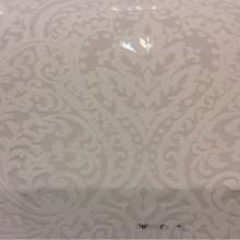 Тонкая ткань с вискозной нитью Ornella 36. Европа, Италия, тонкий тюль. На ванильном фоне ажурный орнамент