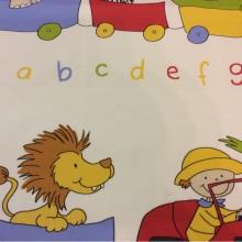 Безопасная хлопковая ткань с ярким принтом для детской Zoo 1. Испания, Европа, портьерная. Цветные фигурки животных, буквы