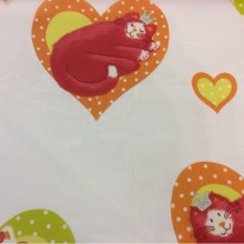 Ткань из органзы, на прозрачном фоне красно-оранжевые кошечки Misifu 2. Испания, Европа, тюль.