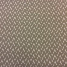 Хлопковая ткань с добавлением льна Mimbre, col 03. Европа, Испания, портьерная. На серо-оливковом фоне белый зигзагообразный рисунок