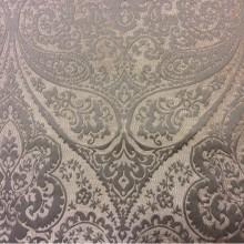 Карамельная ткань для штор с коричневым принтом Lucido col. 23. Испания, Европа, портьерная. Карамельный фон, коричневый принт «дамаск», «пейсли»