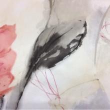 Купить атласную ткань на светлом фоне крупные цветы в коралловых и розовых оттенках, акварель Clematis, col 18. Турция, портьерная ткань средней плотности