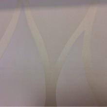 Портьерная ткань из тонкого атласа Арт: 2543/12. Итальянский каталог ткани. Гибкие вертикальные линии кремовых оттенков