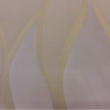 Купить ткань из тонкого атласа в интернет-магазине Арт: 2543/14. Итальянский каталог ткани. Гибкие вертикальные линии золотисто-кремового оттенков