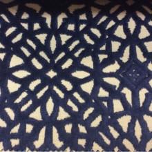 Бархат с набивкой на хлопковой основе Арт: 2558/70. Итальянский каталог ткани для штор. На бежевом фоне стилизованные узоры тёмно-синего оттенка
