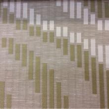 Ткань с хлопковой нитью и абстрактным геометрическим рисунком Supreme, col Moss. Ширина 1,48. Бельгия, каталог портьерной ткани для штор. Молочный, бежевый, оливковый оттенки