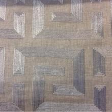 Купить ткань для штор в стиле лофт, хай-тек, хай-энд, минимализм, кубизм Vanillic, col Stone. Бельгийский каталог ткани для штор, портьерная. На сером фоне тёмно-серебристые квадратные лабиринты