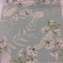 Портьерная плотная ткань из хлопка с растительным орнаментом, На фоне цвета мяты мелкие белые цветы с зеленью, Высота 2,80, Super Adele Coord Donana, col Rose, Испанский каталог ткани для пошива штор на заказ.