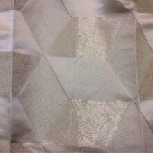 Атласная натуральная ткань с выпуклым геометрическим рисунком в современном стиле