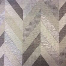 Портьерная ткань с бежево-серебристым геометрическим рисунком