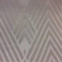 Тюлевая ткань из батиста с нанесением крупного геометрического рисунка техно