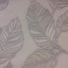 Тюлевая ткань серебристая из тонкого батиста с нанесением крупных листьев