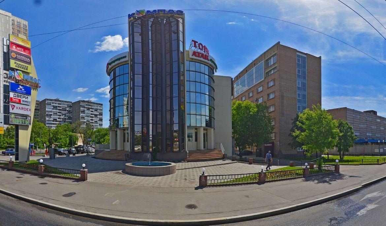 Мы находимся по адресу: г. Москва, улица Красная Сосна, дом 2А, ТЦ «Компас», 2-й этаж, пав 217. Ближайшее метро ВДНХ