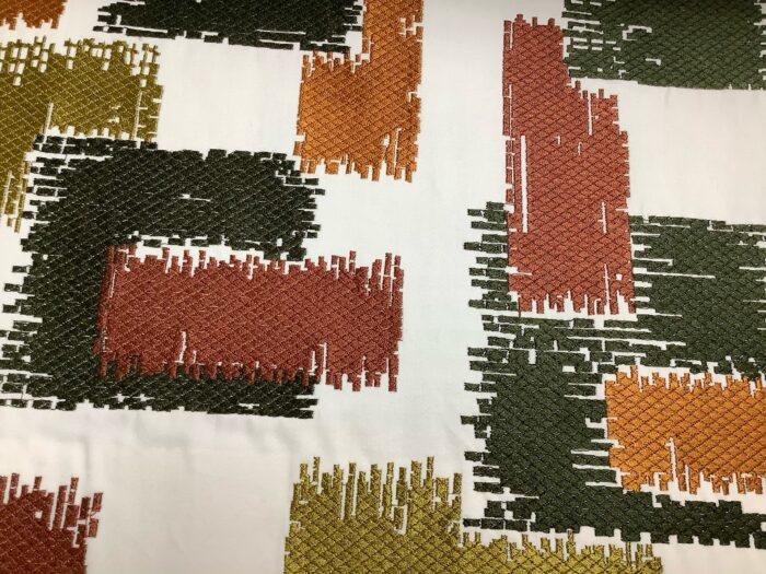 Портьерная атласная ткань с вышивкой из хлопка и вискозы терракот