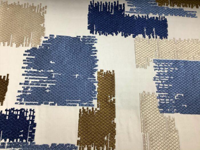 Портьерная атласная ткань с вышивкой из хлопка и вискозы синяя