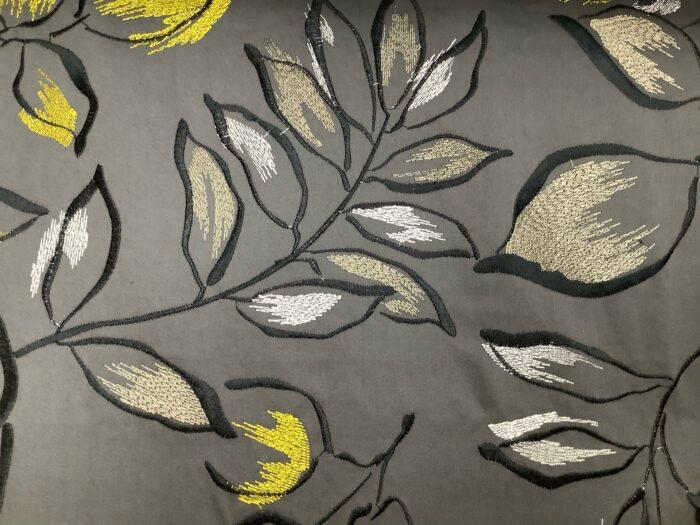 Портьерная атласная ткань с вышивкой листья