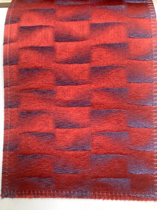 Портьерная атласная ткань премиум-класса в красных и сиреневых оттенках