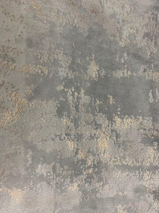 Бархатная ткань дымчатого оттенка с золотистым напылением