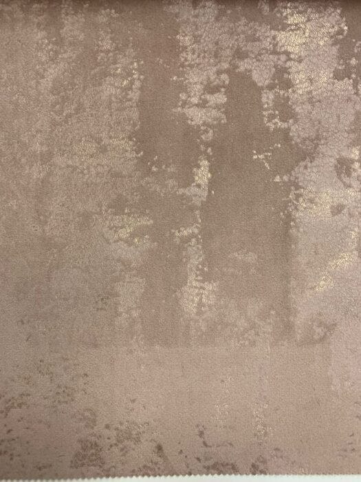 Бархатная ткань в пудровых оттенках с золотистым напылениемБархатная ткань в пудровых оттенках с золотистым напылением
