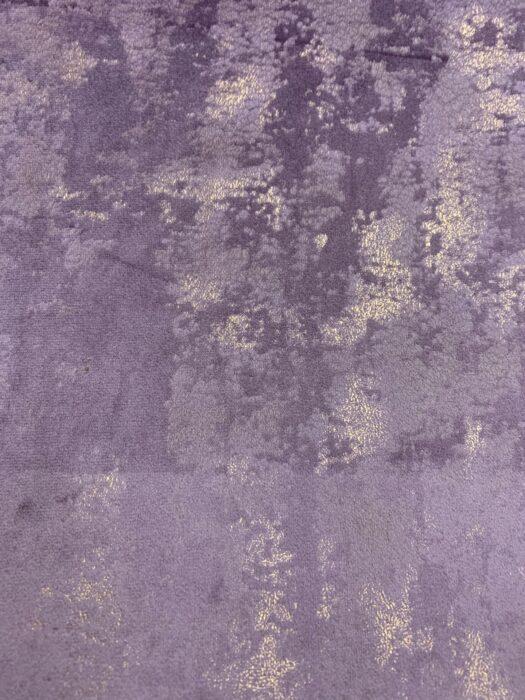 Бархатная ткань фиолетового оттенка с золотистым напылением