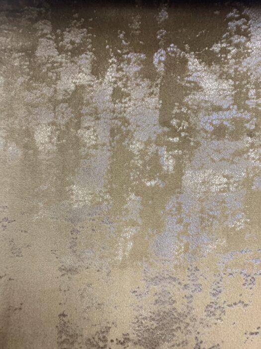 Бархатная ткань в оттенках бронзы с золотистым напылением