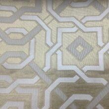 Портьерная жаккардовая ткань с геометрическим орнаментом в кремовых и ванильных оттенках