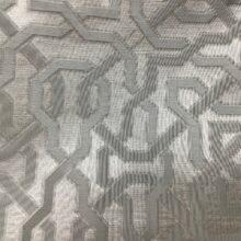 Портьерная жаккардовая ткань с геометрическим орнаментом в серебристо-серых оттенках